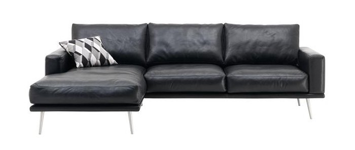 carlton-black-salvador-leather-with-resting-unit