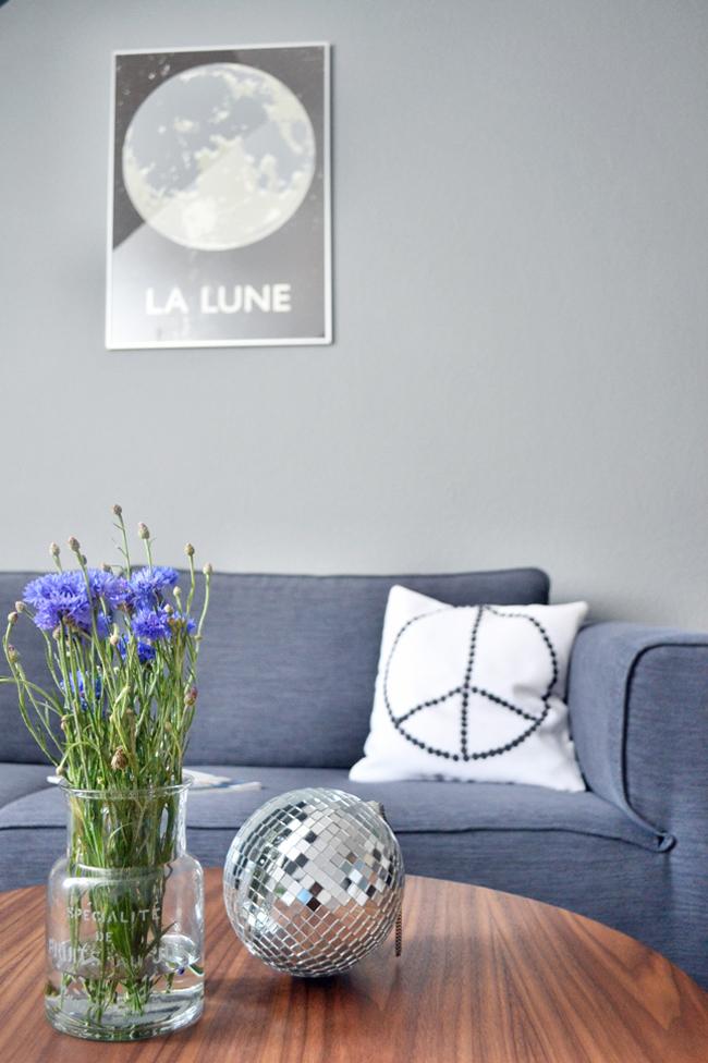 happy-interior-blog-boconcept-sofa-arco-la-lune-poster
