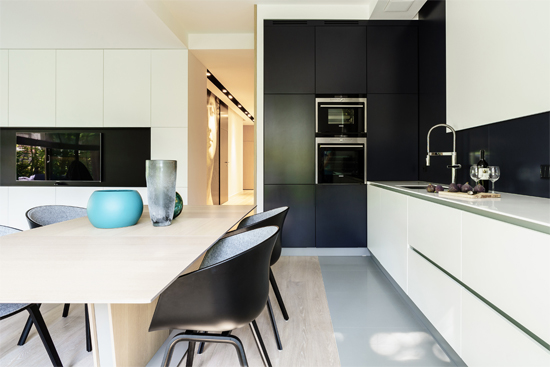 4-muuto-about-a-chair-dining-room-apartment